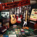 BEATLES STORY_guitar